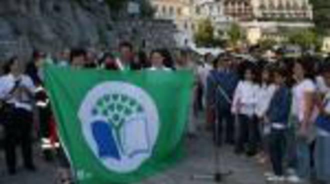 70215194-bandiera-verde.jpg