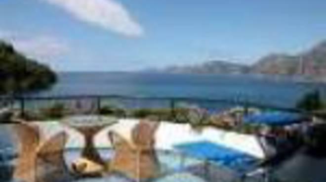 70576617-praiano-albergo-il-pino.jpg