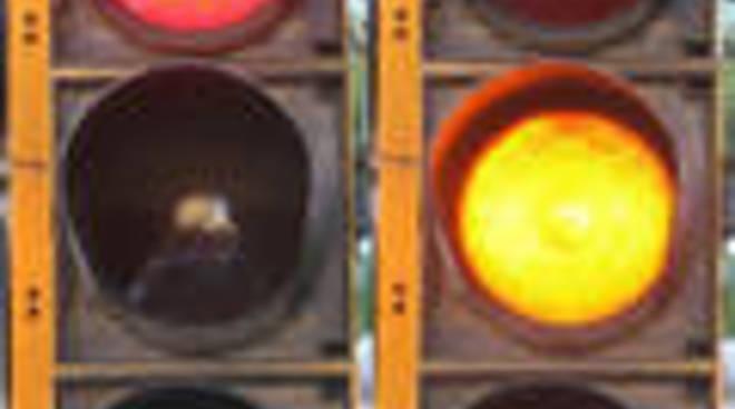 71819403-semaforiiiiii.jpg
