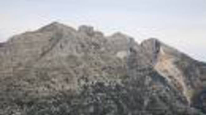 75496785-positano-monte-catello.jpg