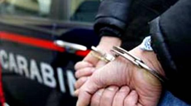 20091117-carabinieri-arresto-5131184.jpg