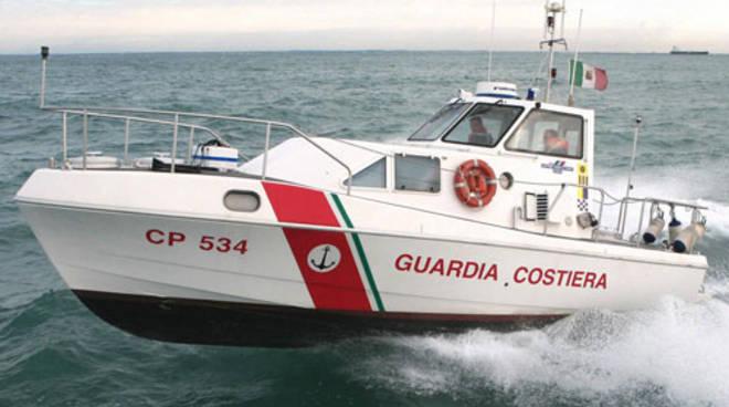 motovedetta-guardia-costiera.jpg