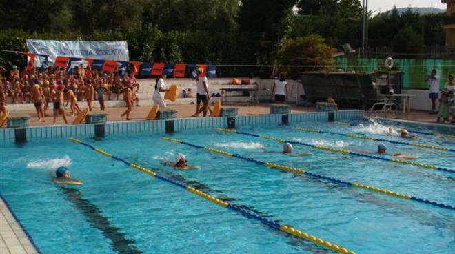 piano-di-sorrento-la-piscina-dei-campioni.jpg