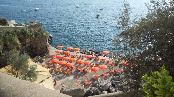 praiano-one-fire-fra-i-migliori-ristoranti-della-campania-ma-e-un-lido.jpg