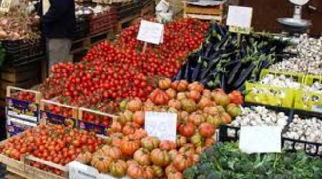 mercato-ambulanti-contro-lamministrazione-il-tar-da-ragione-al-comune.jpg