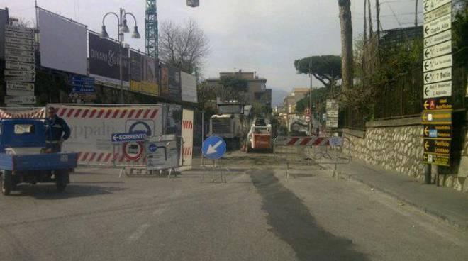 piano-di-sorrento-caos-sul-corso-italia-per-i-lavori.jpg