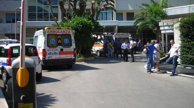 sorrento-caos-ospedale-dieci-pazienti-in-sala-operatoria-tornano-in-camera-parenti-infuriati.jpg
