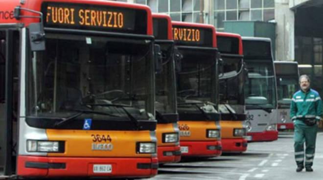 Eav_Bus_Con_Noi_Tutti_Assunti_E_Nuovi_Mezzi.jpg