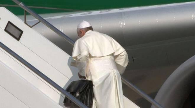 Papa_Francesco_In_Partenza.jpg