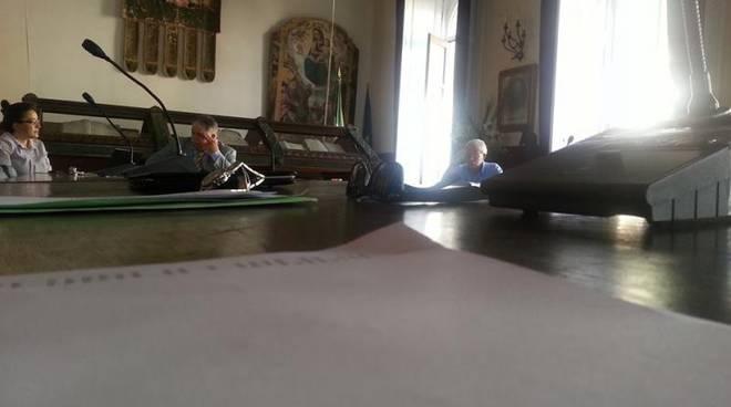 Amalfi, guerra in consiglio comunale per la tassa di soggiorno, la ...