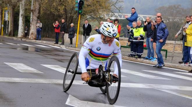 Alex Zanardi al26° Km , altezza Ponte Milvio
