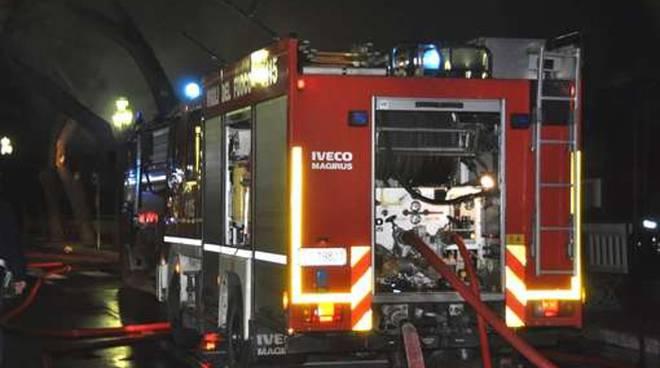 vigili-del-fuoco_11_original-2.jpg