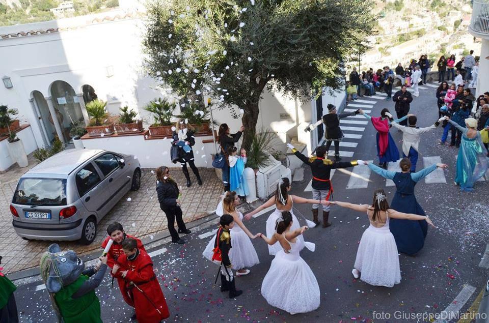 e49f0bc02637 Positano oggi la sfilata dei carri di Carnevale ALTRE FOTO foto