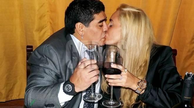 Maradona pronto al matrimonio a Roma con Rocio Oliva. A lui sono ... 3448f775f9e4