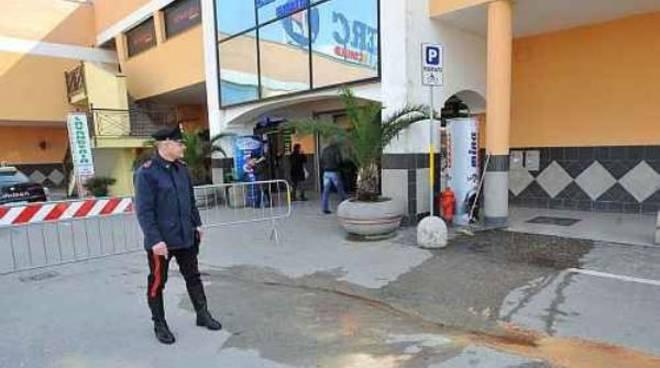 Vasta operazione della Polizia e dei Carabinieri di Caserta contro il clan camorristico  dei Casalesi facente capo a Michele Zagaria. 20d0869fcfb