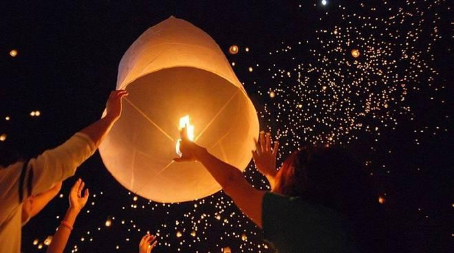 il lancio delle lanterne   (2).jpg