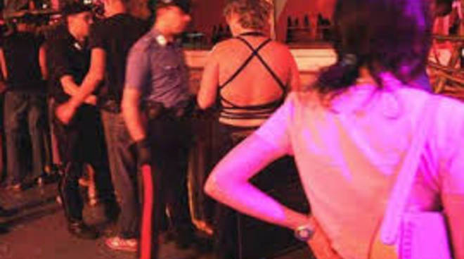 stupro-in-discoteca.jpg