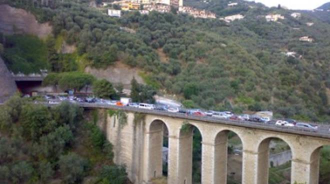 ponte seiano traffico.jpg