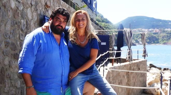 Tonino Cannavacciuolo a Capo La Gala con la moglie Cinzia- 1