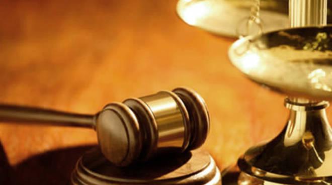 tribunale_giudice.jpg