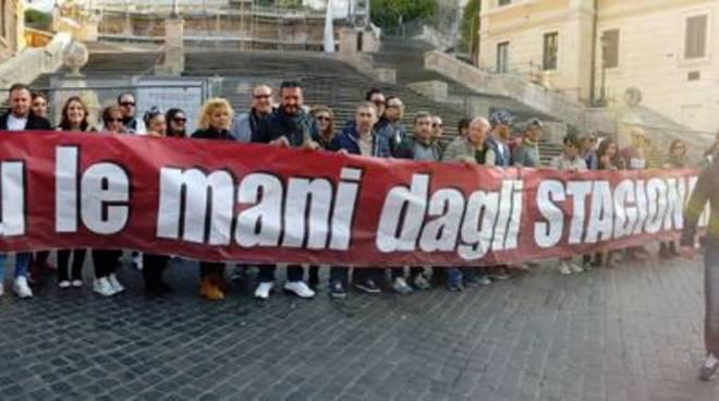 lavoratori-stagionali-PROTESTA-SLIDER