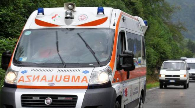 ambulanza-meningite-massa-lubrense