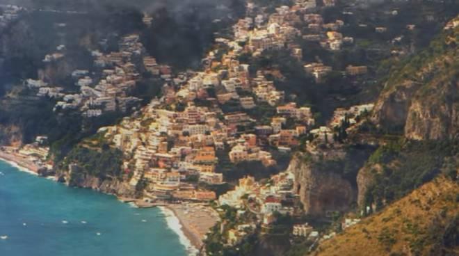 Spot Autostrada del Mediterraneo, presente anche Positano ...