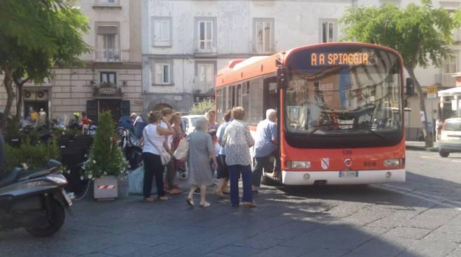 Autobus-piazza-Cota