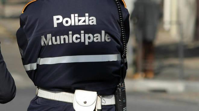polizia-municipale-sorrento-abusi-giugno