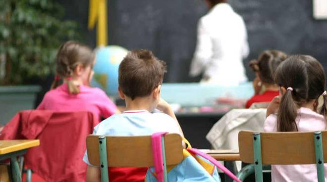 maestra-bambini-scuola