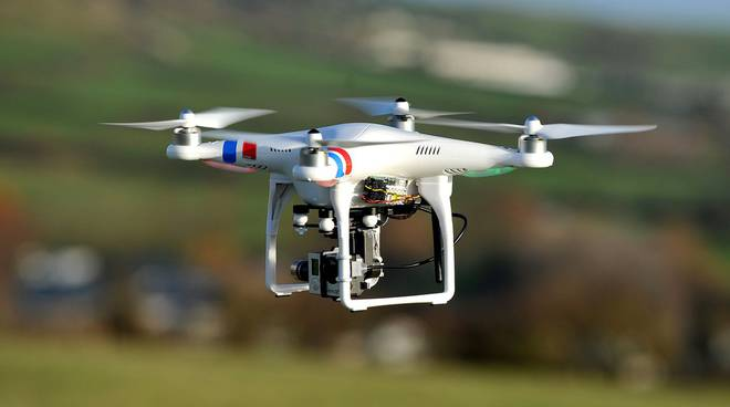 turisti-brasiliani-drone