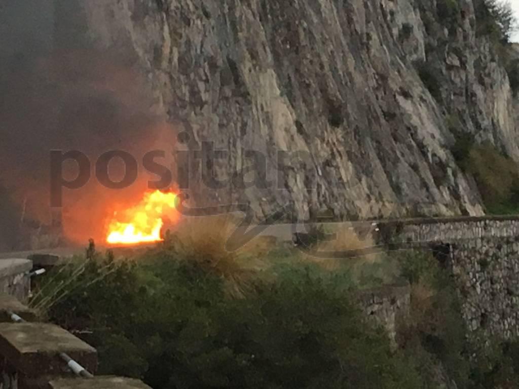 Incendio auto Tordigliano Vico Equense Positano