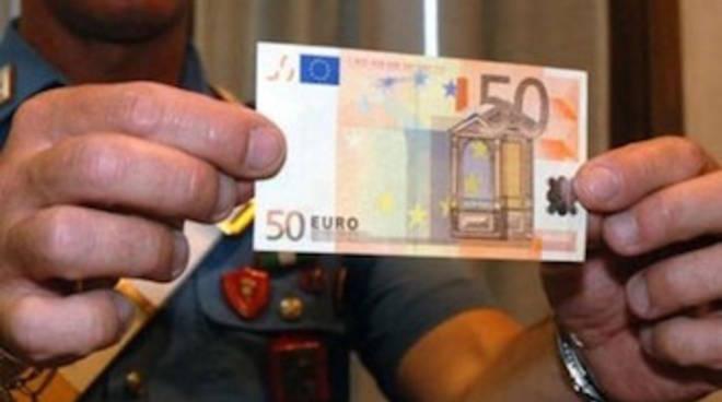 Meta Sorrento banconote false al bar della stazione della Circumvesuviana denunciati tre 16enni