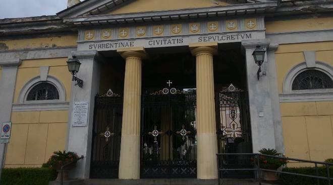 cimitero-sorrento-cadavere-scomparso