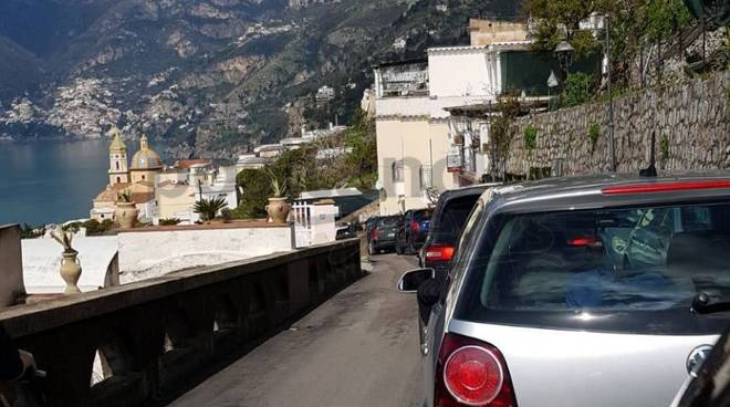 Praiano caos traffico