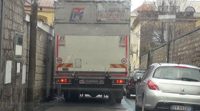 piano di sorrento-camion-traffico-bagnulo