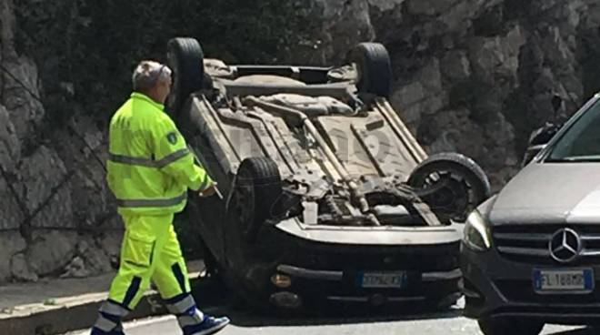 incidente vico equense punta scutolo