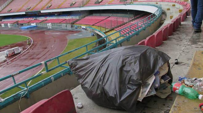 Lo stadio San Paolo vale quasi 28 milioni, ma ridotto così non ha mercato