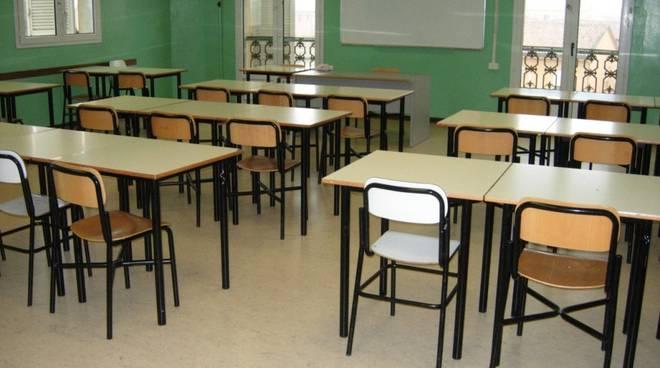 Nel Salernitano porte chiuse per 161 docenti