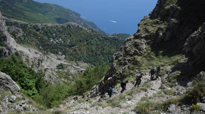 Escursione al Monte Faito: un polmone verde tra geologia e tradizione