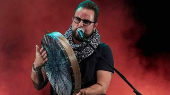 """Vietri sul Mare, esordio discografico per Christian Brucale con  """"Vienteterr"""" - Positanonews"""