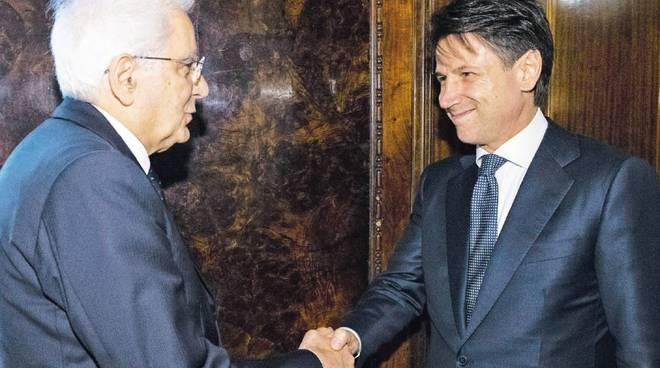 Governo, Conte ha rimesso l'incarico. Mattarella convoca Cottarelli