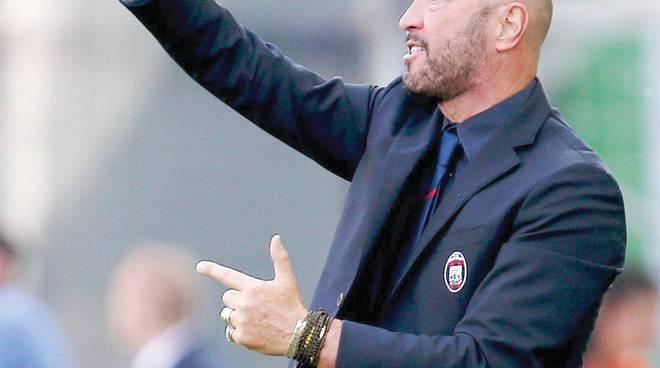 In cinque per la alvezza -Zenga a Napoli per vincere