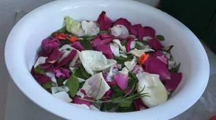 L'Ascensione e la tradizione in Costiera di lavare il viso con acque e petali di rosa