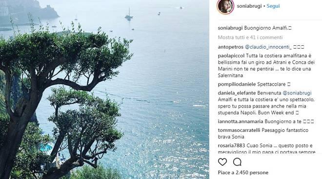 paolo bonolis sonia bruganelli amalfi