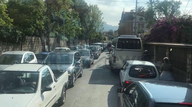traffico-bloccato-sorrento-3222071