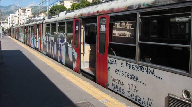 Furto su un treno della Circumvesuviana