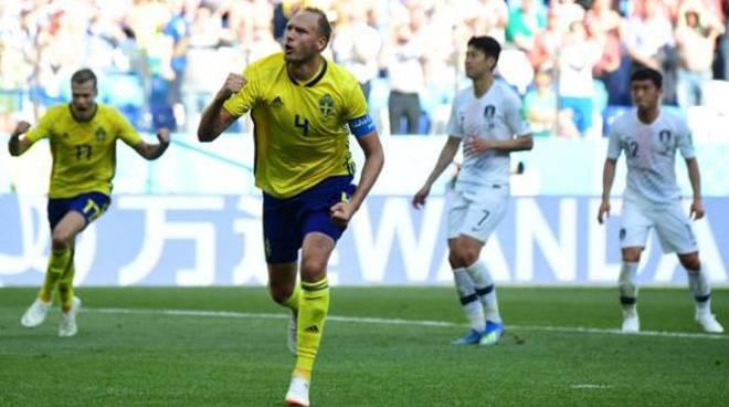 La Svezia fatica ma vince con la Corea grazie al Var.A segno l'ex genoano Granqvist