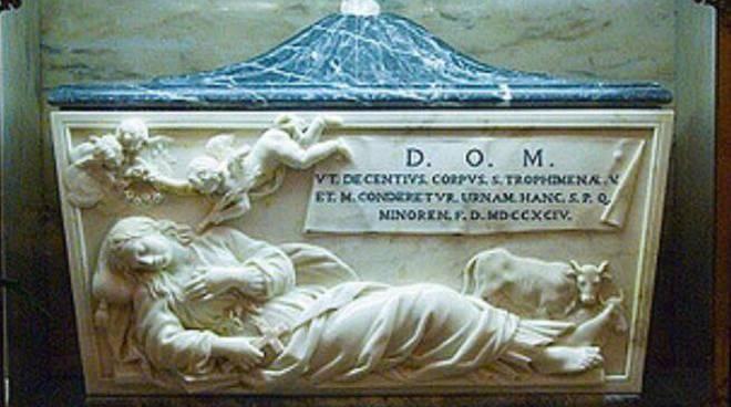 Minori. Esposizioni delle Sacre Reliquie di Santa Trofimena