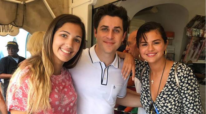 Selena Gomez tra Positano e Capri
